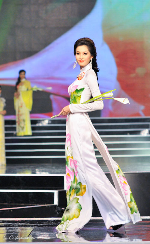 10 mỹ nhân mặc áo dài đẹp nhất showbiz - 7