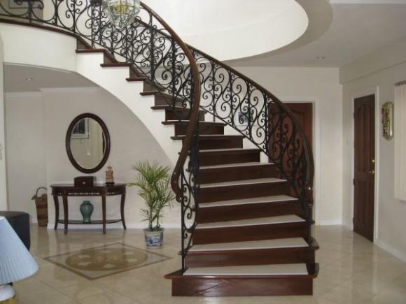 97429 20131015143559 jpg5 Thiết kế cầu thang như thế nào cho hợp phong thủy bạn biết chưa?