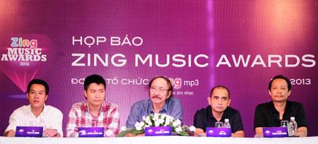 Hội đồng nghệ thuật và đại diện BTC Zing Music Awards 2013
