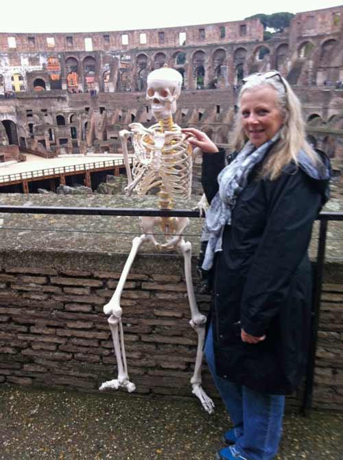du lịch,khỏa thân,chuyện lạ,chuyện lạ thế giới,xương giả