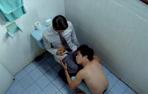 Màn ảnh việt,Cảnh nóng phim việt,Sao việt trút xiêm y,Thái Hòa,Khương Ngọc,Johnny Trí Nguyễn
