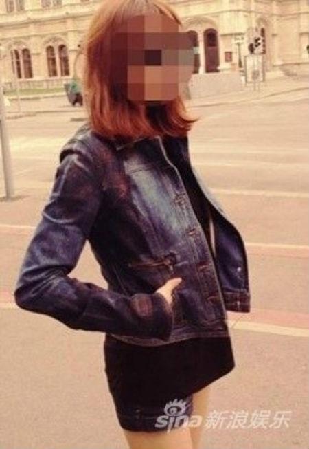 Lộ ảnh và thêm thông tin về bạn gái của Bae Yong Joon 1
