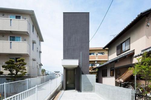 Nhà mặt tiền 4 mét vẫn đẹp 'ngỡ ngàng' - 1