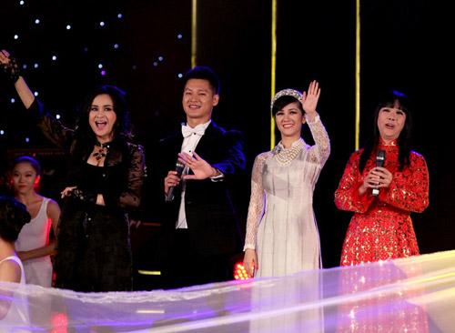Diva hồng nhung,Hồng Nhung 2013,nhạc sỹ Phạm Duy,Ca sĩ Đức Tuấn