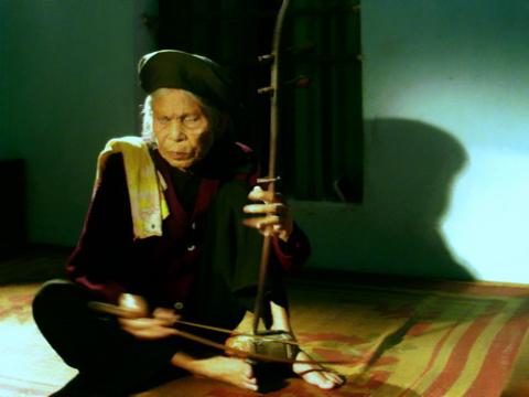 Nghệ nhân xẩm Hà Thị Cầu,báu vật nhân văn sống,Hà Thị Cầu 2013
