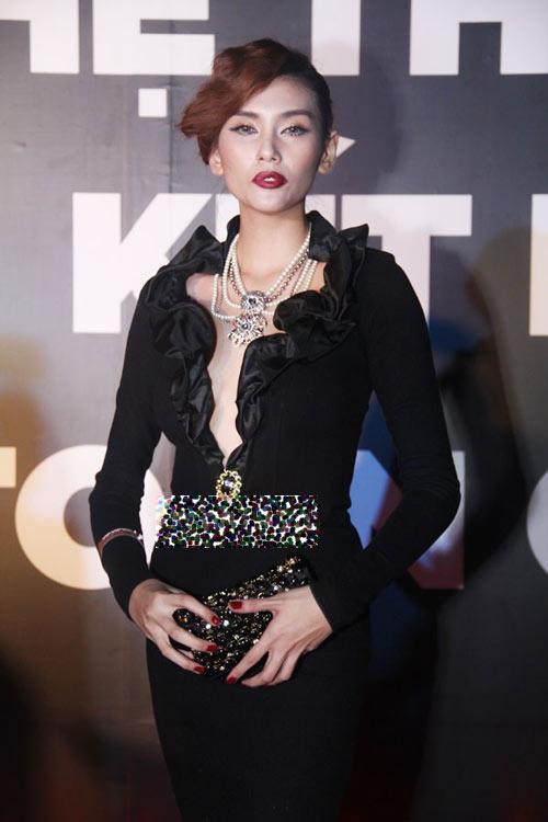 Thời trang sao việt,Thời trang sao,Mỹ nhân việt,Phi Thanh Vân,Yến Trang,Võ Hoàng Yến,Sao mặc xấu