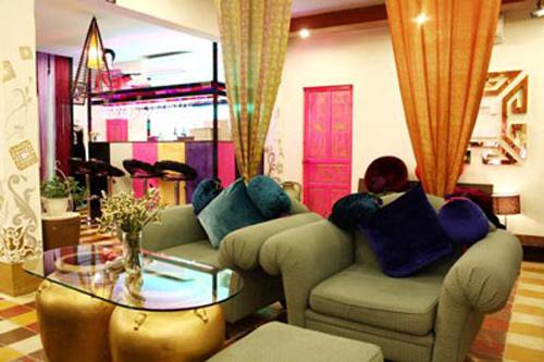 Nhà của sao,Biệt thự của sao,NTK Công Trí,Võ Việt Chung