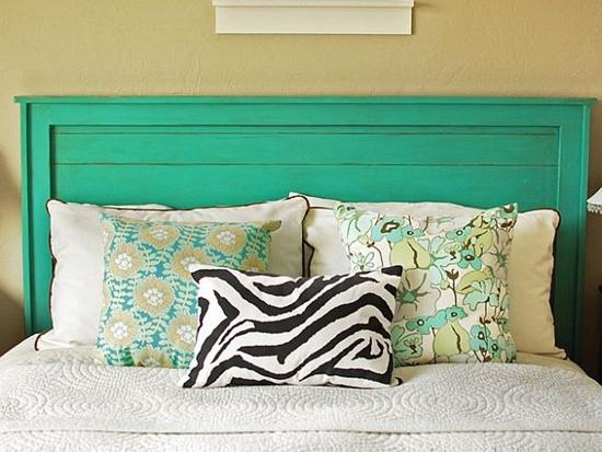 trangtridaugiuongbangnhungcachsangtaotuyetdoi2jpg1380353739 Gợi ý trang trí đầu giường bằng những cách sáng tạo tuyệt đối