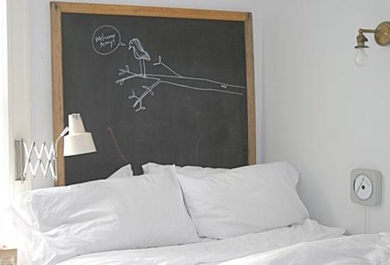 trangtridaugiuongbangnhungcachsangtaotuyetdoijpg1380353615 Gợi ý trang trí đầu giường bằng những cách sáng tạo tuyệt đối