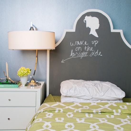 trangtridaugiuongbangnhungcachsangtaotuyetdoijpg1380353616 Gợi ý trang trí đầu giường bằng những cách sáng tạo tuyệt đối