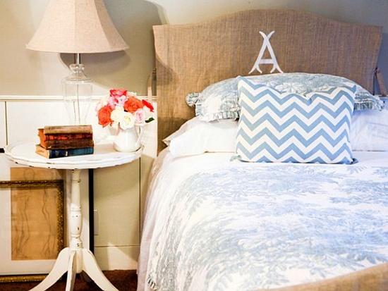 trangtridaugiuongbangnhungcachsangtaotuyetdoijpg1380353621 Gợi ý trang trí đầu giường bằng những cách sáng tạo tuyệt đối