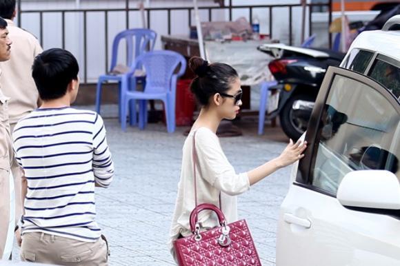 Trấn Thành đưa bạn gái hot girl tới xem The Voice Kids tập 3