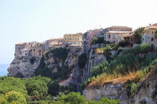 Thành phố Tropea, Thành phố trên vách đá, Du lịch Ý