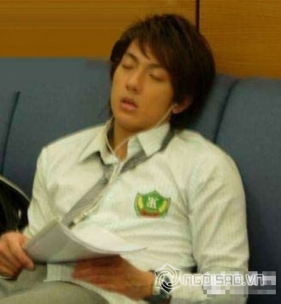 diễn viên châu Á,showbiz châu Á,tư thế ngủ của sao,sao ngủ trên phim trường,Jang Na Ra,Gong Hyo Jin,Jang Geun Suk