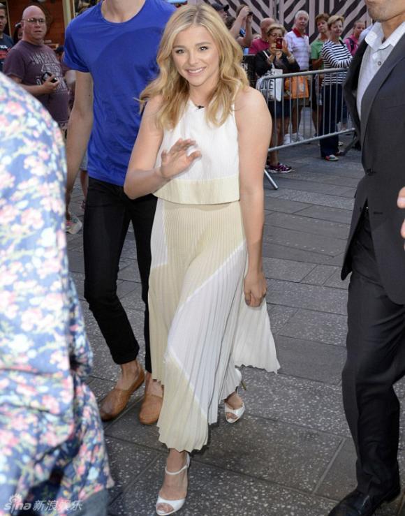 Chloe Moretz, con dâu Bekcham, người yêu Brooklyn, Beckham