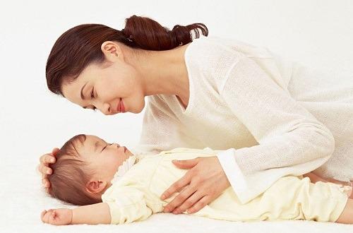 Con cái,con ghét mẹ,con ghét mẹ vì sinh thêm em bé