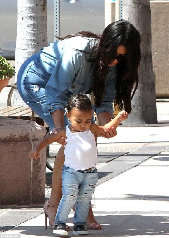 Kim Kardashian, Kim siêu vòng ba, North West, Nori