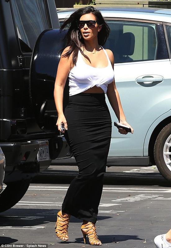Kim Kardashian, Kim siêu vòng ba, Kim mặc như bó giò, Kim mặc đồ bó sát