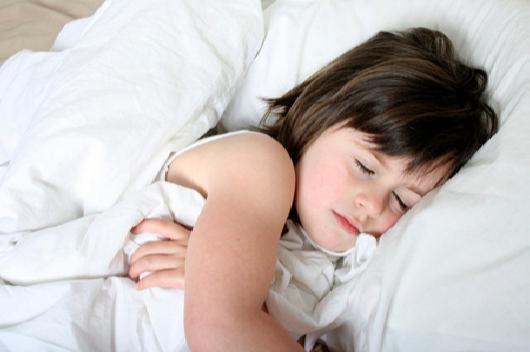 Image result for Bé đi ngủ