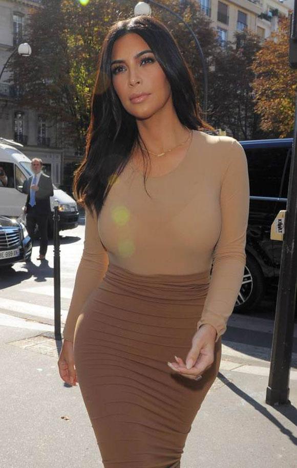 vòng ba của Kim Kardashian,Kim Kardashian mặc váy bó sát,vòng ba chảy xệ của Kim Kardashian,Kanye West