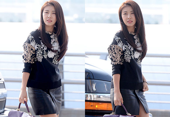 Hoàng hậu Ki,sao Hàn ở sân bay,Ha Ji Won,Ha Ji Won trẻ trung và cá tính,thời trang sân bay của Ha Ji Won