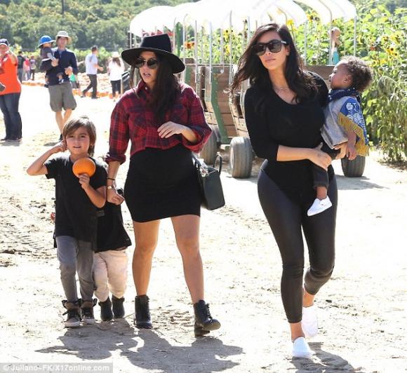 Kim Kardashian,North West,Kanye West,sao Hollywood,nhóc tỳ nhà sao