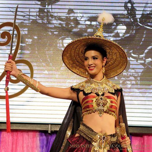 Nong Poy,sao Thái,sao chuyển giới,Hoa hậu chuyển giới,Nong Poy nhỏ bé,mỹ nhân chuyển giới đẹp nhất Thái Lan