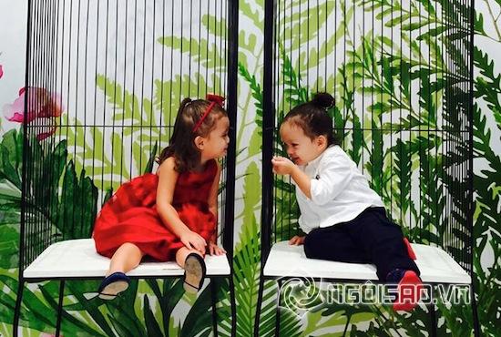 Hồng Nhung, con Hồng Nhung, cặp sinh đôi nhà Hồng Nhung, bé Tôm bé Tép, cặp sinh đôi nhà Hồng Nhung cười ngộ nghĩnh