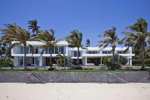 1414137986 pic1 Tham quan biệt thự bãi biển sang trọng ở Mũi Né