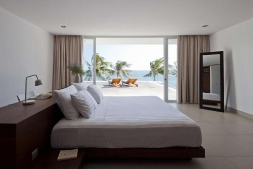 1414137986 pic17 Tham quan biệt thự bãi biển sang trọng ở Mũi Né