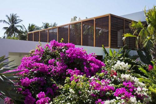 1414137986 pic9 Tham quan biệt thự bãi biển sang trọng ở Mũi Né