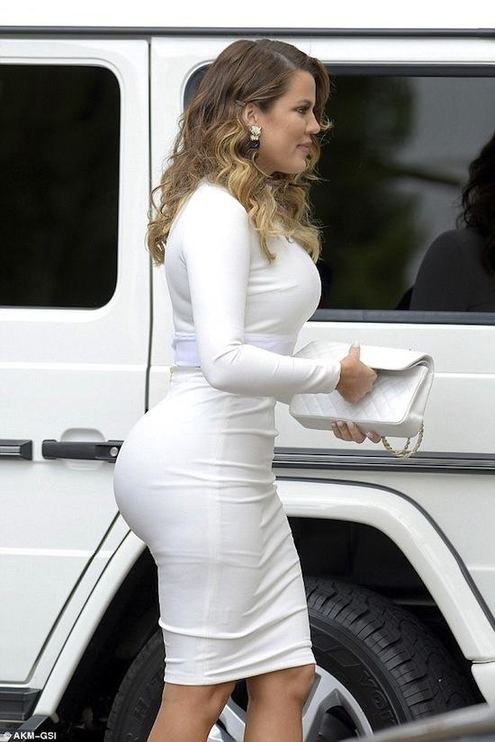 Kim Kardashian, Khloe Kardashian, em gái Kim, em gái Kim vòng ba không kém chị, Kim siêu vòng ba