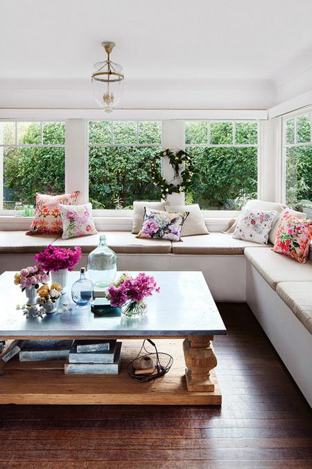 goi y cach trang tri nha bang hoa tuoi cuc an tuong1 Chia sẻ cách trang trí nhà bằng hoa tươi cực ấn tượng