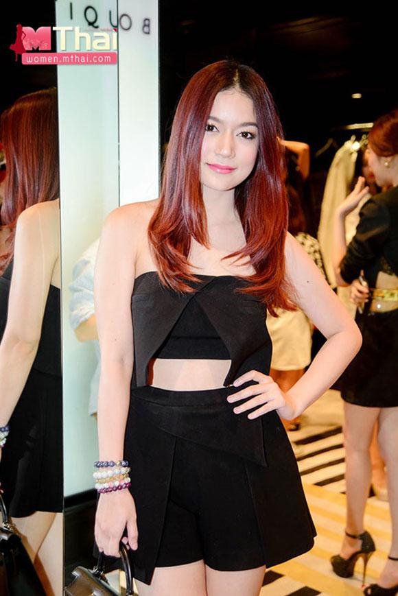 Nong Poy,Nong Poy quyến rũ,Nong Poy mặc váy trắng,mỹ nhân chuyển giới,sao Thái Lan