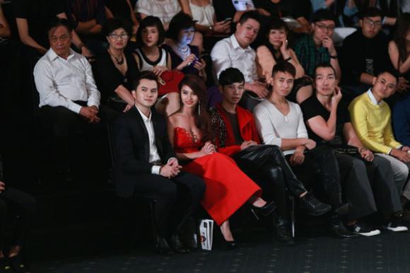 Thủy Top,Thủy Top và người yêu,Thuỷ Top tốt nghiệp,Thủy top tiết lộ bạn trai,thủy top siêu vòng 1,thủy top ra mắt mv