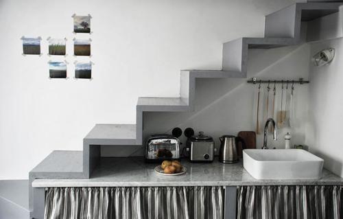 Nhà 25m2 vẫn xây được bàn bếp to rộng - 5