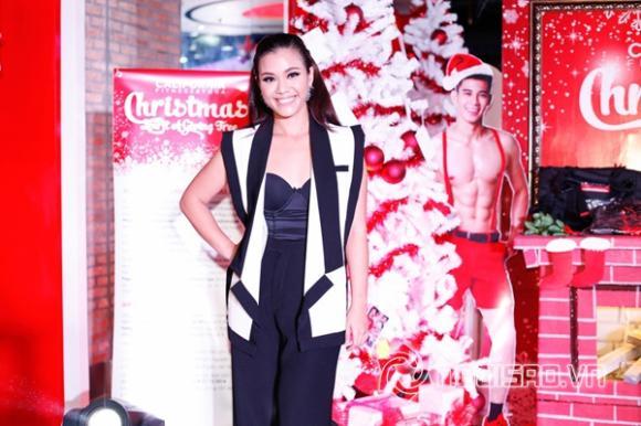 Phương Vy, Cát Tường, Hồ Vĩnh Khoa, Thùy Trang, Thiên Trang, Next Top Model, Giáng sinh 2015