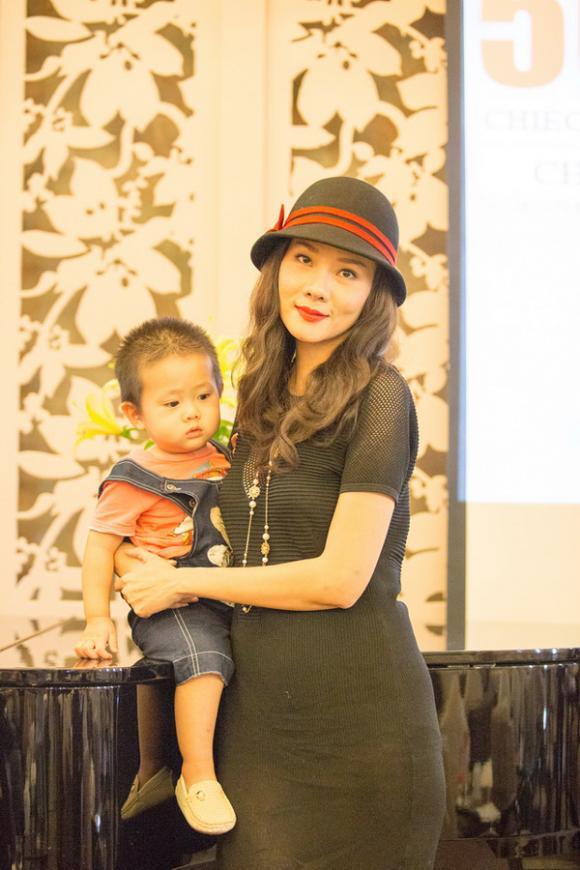 sao Việt, Dương Yến Ngọc, vợ chồng Dương Yến Ngọc, Dương Yến Ngọc tố Pha Lê giựt chồng, con trai Dương Yến Ngọc ngủ gục