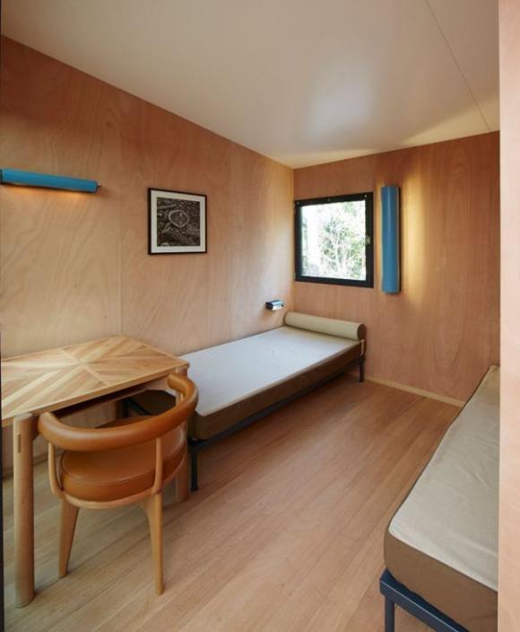 Ngôi nhà ven biển cực đẹp được hãng Louis Vuitton hiện thực hóa 11