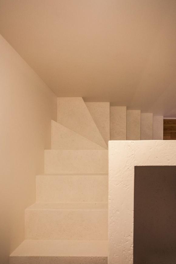 Ngắm căn hộ 24m² hiện đại trong lòng biệt thự cổ 11