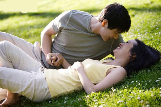 yêu người hơn tuổi,đàn ông hơn tuổi,hẹn hò với chàng trai kém tuổi