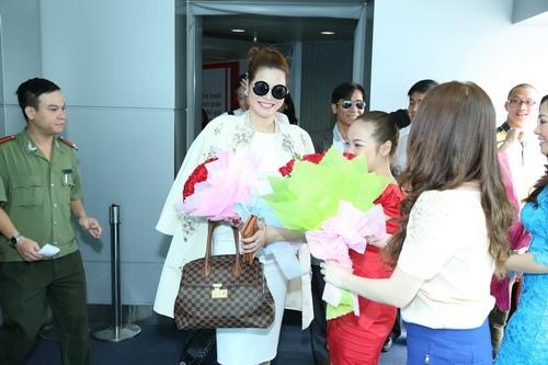 Doanh nhân Bùi Thị Hà,đăng quang,Hoa hậu Phu nhân Thế giới người Việt,ông bầu Minh Chánh,á hậu,Trương Thị May,