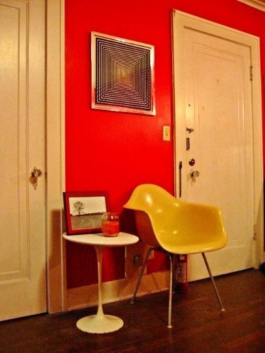 nhac chat 002 jpg3 Chiêm ngưỡng không gian 2 căn hộ nhỏ ấn tượng với màu sắc táo bạo