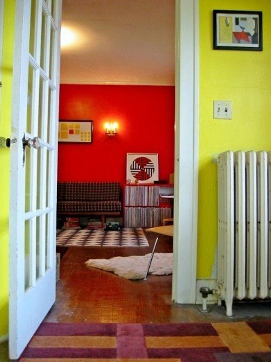 nhac chat 003 jpg4 Chiêm ngưỡng không gian 2 căn hộ nhỏ ấn tượng với màu sắc táo bạo