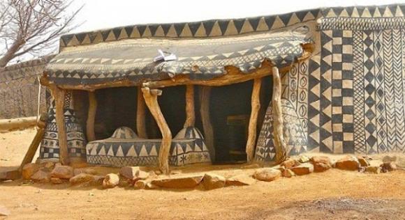 Nhà xây bằng phân bò