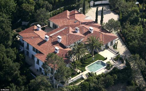 17 năm đổi nhà 'xoành xoạch' của Beckham - 9