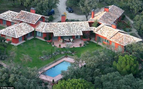 17 năm đổi nhà 'xoành xoạch' của Beckham - 8