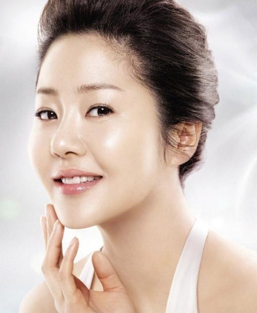 Sao Hàn,U50,showbiz Hàn,tài sắc vẹn toàn,Lee Young Ae,Kim Nam Joo.