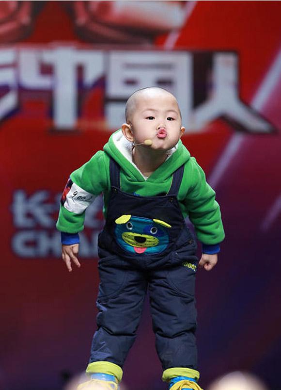 Nhóc tì,nổi như cồn,truyền hình,hấp dẫn,đáng yêu,trẻ con,cuốn hút.