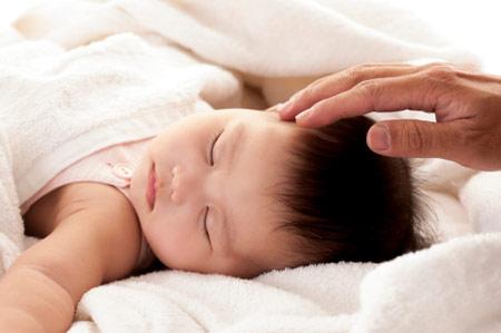 Chăm sóc trẻ,Luyện bé tự ngủ,Bé ngủ đêm,Trẻ sơ sinh
